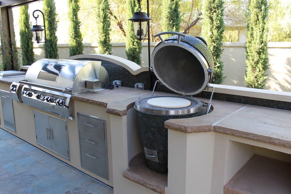 Outdoor Kitchen Grill & Smoker
