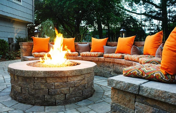 Build a Fire Pit Sitting Area